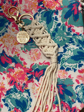 Load image into Gallery viewer, Macrame Keychain- Nana