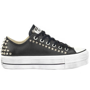 Converse borchie basse in pelle nere