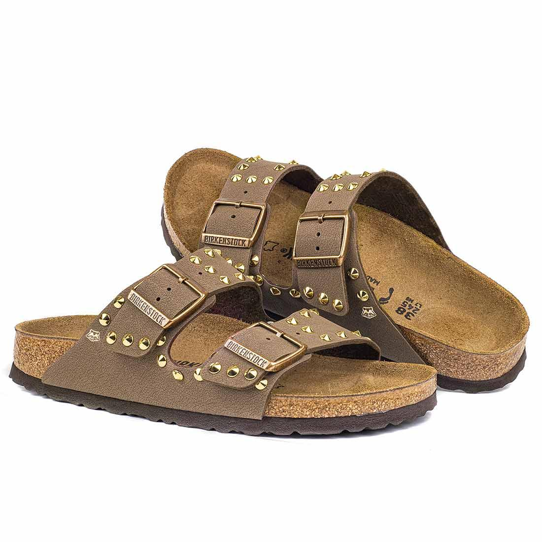 Sandali borchiati Birkenstock arizona colore marrone mocha