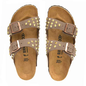 birkenstock con borchie color oro in pelle marrone mocca