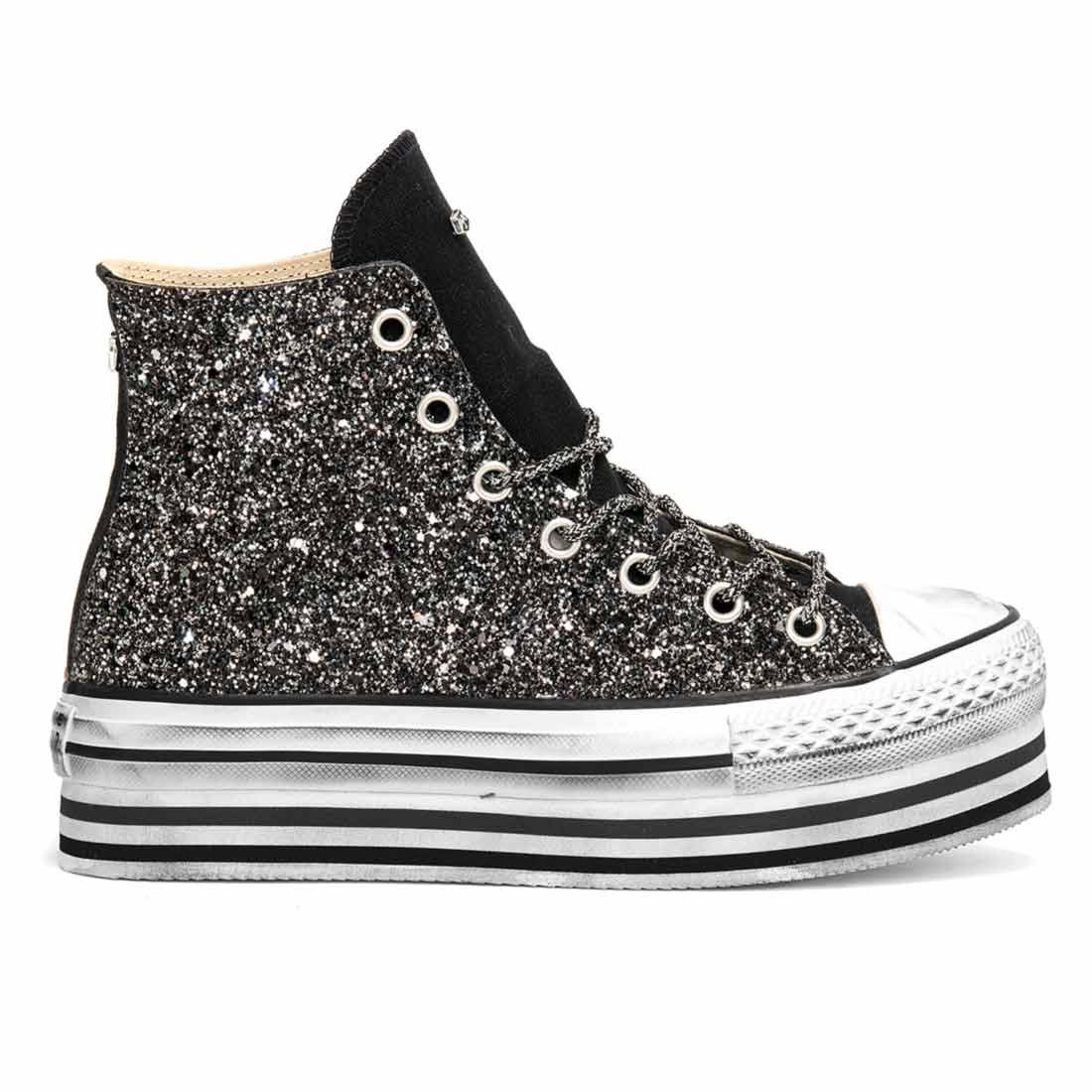 converse all star con brillantini neri e suola alta pltaform a righe