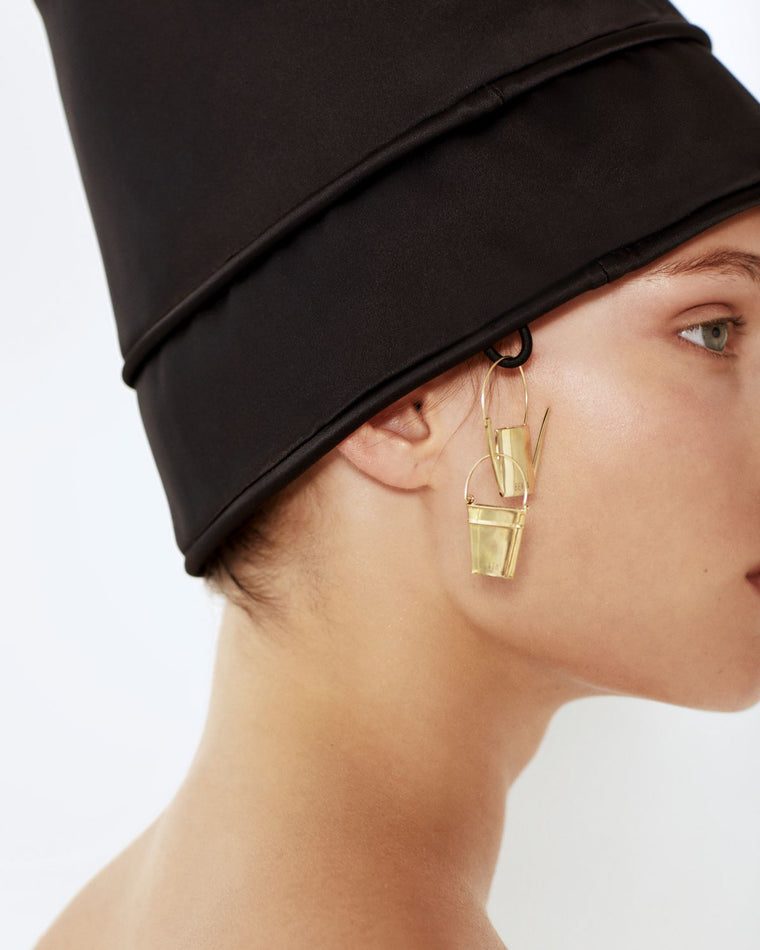 Bucket mono earring