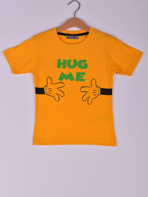 T-Shirt: Yellow: Hug Me