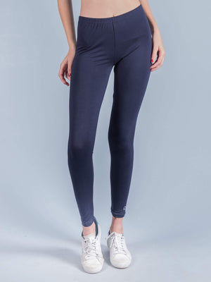 ESSENTIALS Leggings