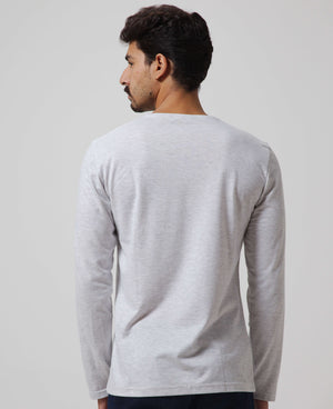 ESSENTIAL Long Sleeve Round Neck T-Shirt