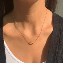 Load image into Gallery viewer, 14k Gold Lips Necklace