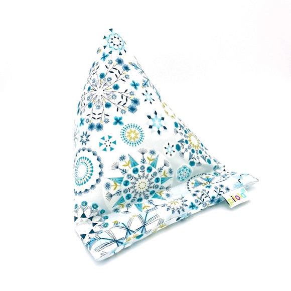 Pilola Techcushion Metallic Winter Snowflake Pillow Stand Holder Cushion
