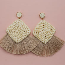 Small round straw studs with straw square shapes and natural tassel jewelry earrings