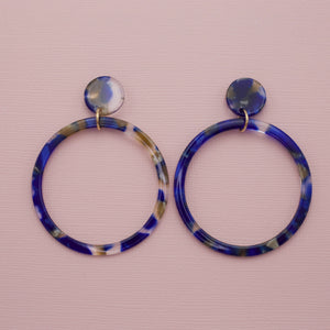 Blue multi colored acrylic hoop dangle drop jewelry earrings