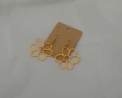 Hammered golden flower earrings
