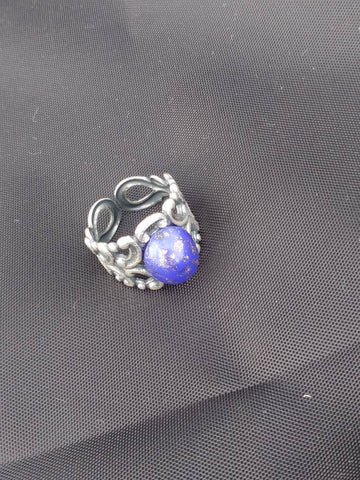 Antique silver filigree and lapiz lazuli style ring