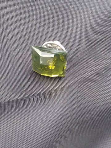 Peridot colored square vintage style brooch