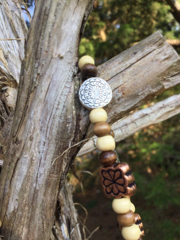 Metal and wooden beaded bracelet