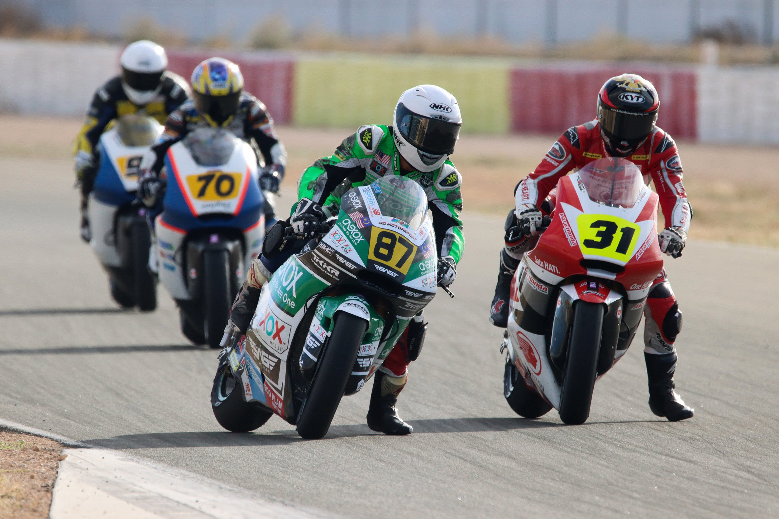 Valencia holds the last round of the FIM CEV Repsol for the ONEXOX TKKR SAG TEAM