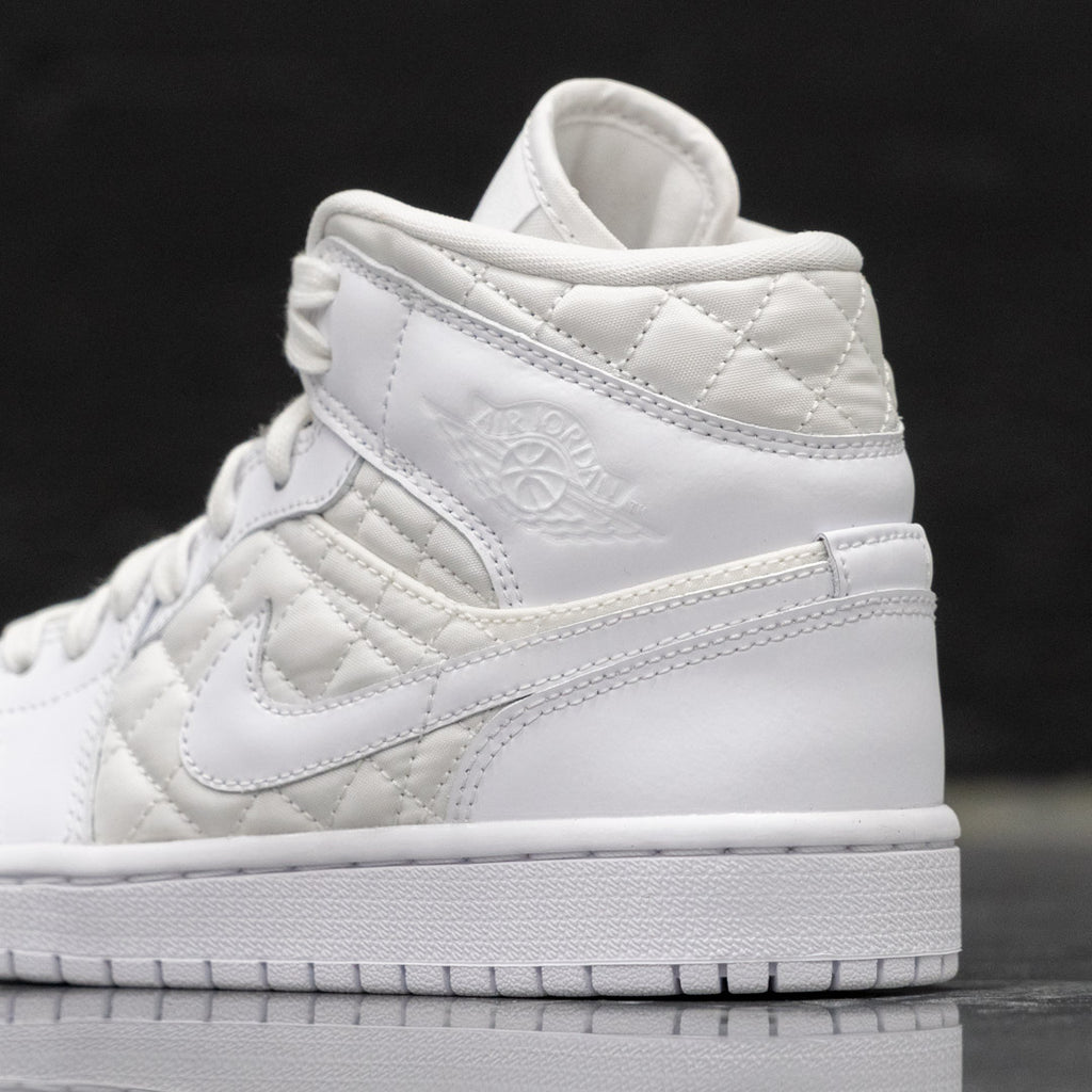 WMNS AIR JORDAN 1 MID QUILTED