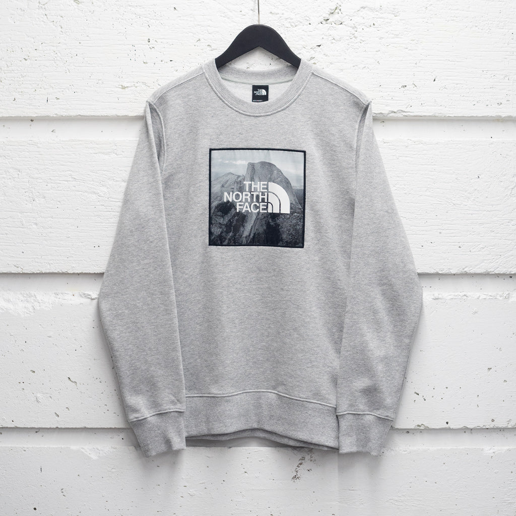 THE NORTH FACE PATCH IDEALS CREWNECK
