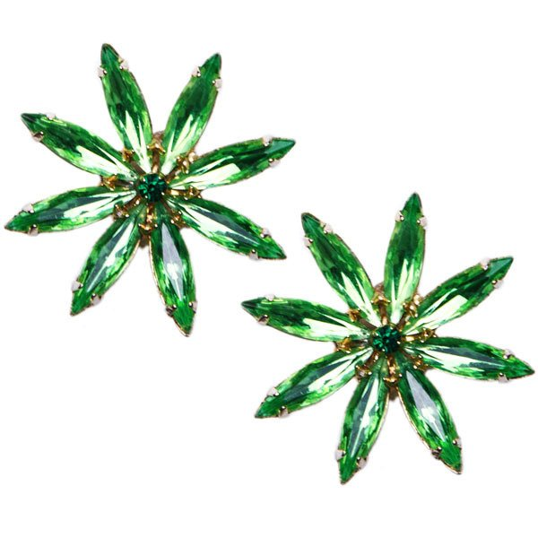 50's Emerald Green Floral Clip-on Earrings