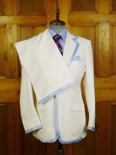 21/0014 wonderful vintage british bespoke tailored white worsted summer suit w/ blue silk trims & pocket square 38-39 regular