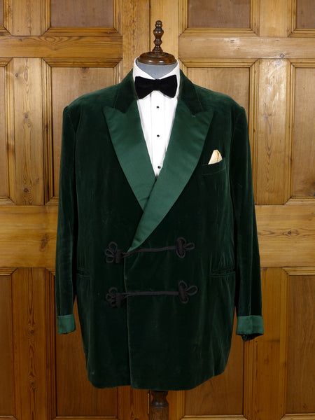 17/0266 (pt) vintage welsh & jefferies savile row bespoke green silk velvet smoking jacket 50-51 regular to long