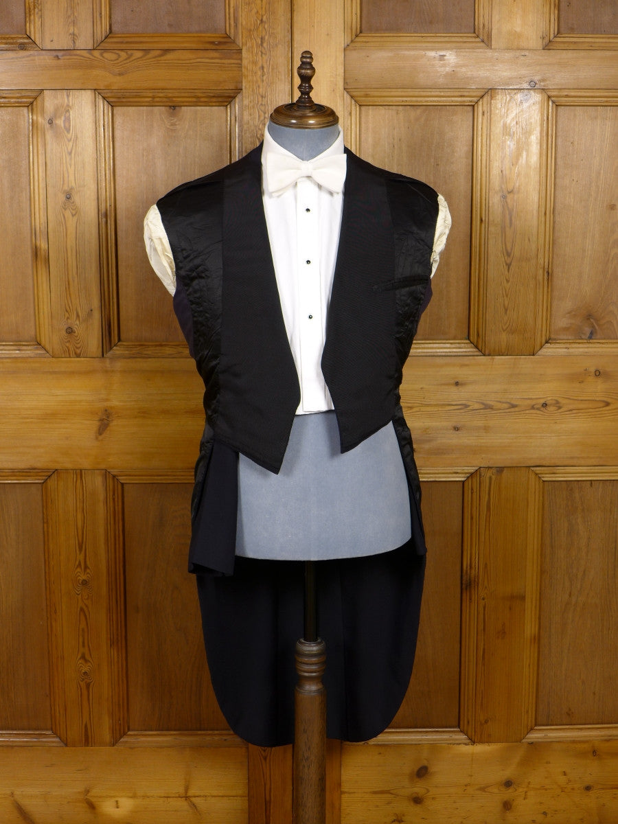 17/0544 (dc) exceptional 1959 savile row bespoke midnight blue herringbone barathea / black grosgrain evening tailcoat suit 41 long
