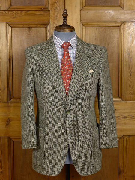 17/0581 Immaculate vintage heavyweight brown / black herringbone harris tweed patch pocket jacket 37-38 short