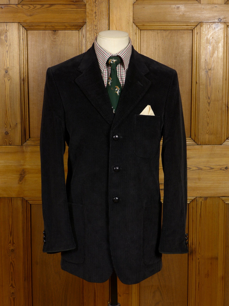17/0636 modern crombie black corduroy jacket w/ suede elbow patches 38 regular