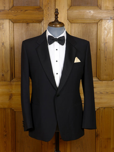 17/0647 vintage moss bros black lightweight wool satin notch dinner jacket 42 short