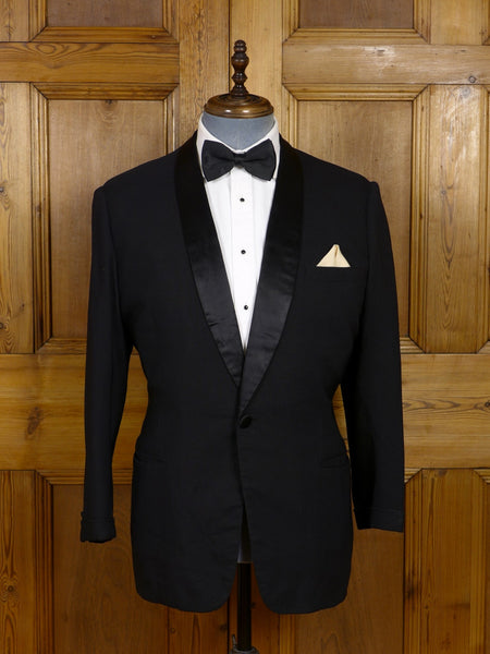 17/0724 distinctive vintage 1930s 1940s black herringbone wool & mohair dinner jacket 39 short to regular