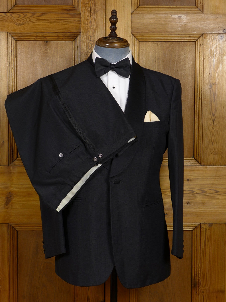 17/0842 (pt) distinctive vintage 1970s 1980s 'mohair look' wool mix black dinner suit 40 short