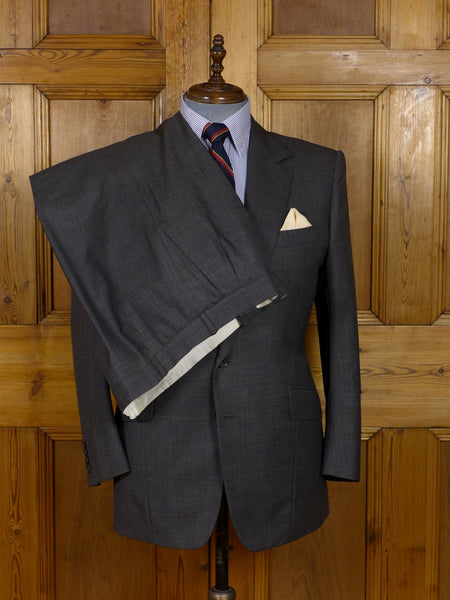 17/0912 (dc) 1999 kilgour savile row bespoke grey worsted suit 42 short to regular