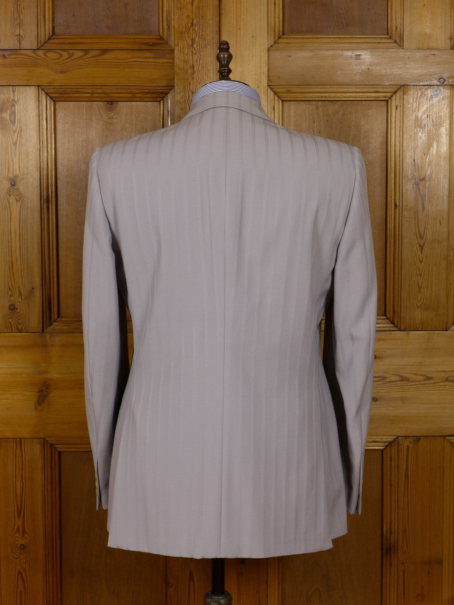 17/0930 (pt) wonderful 1980s vintage cecil gee taupe textured stripe italian wool suit 43 long