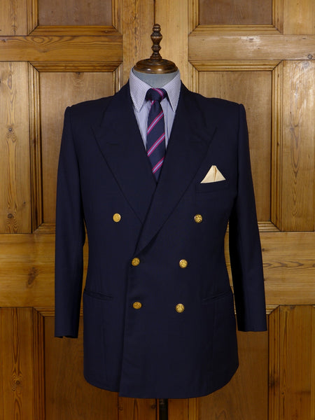 17/1022 (dc) vintage savile row bespoke navy blue d/b wool blazer w/ regiment buttons 44 short