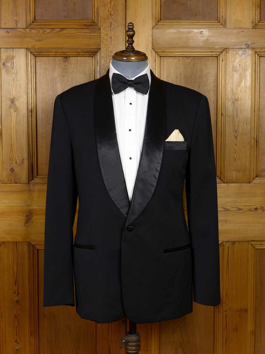 17/1216 immaculate superior far-east tailored tailored black wool & mohair silk shawl dinner jacket 40 regular to long