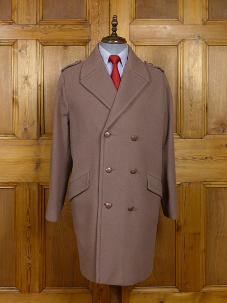 17/1444 (pt) near immaculate vintage british warm beige brown d/b overcoat 44 regular