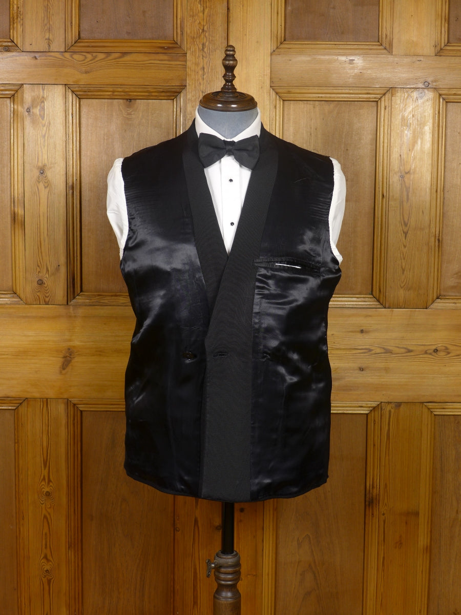 17/1546 bespoke tailored black barathea / grosgrain d/b dinner suit 40 short