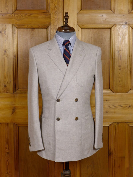 17/1587 (pt) near immaculate gieves & hawkes savile row beige grey worsted flannel patch pocket d/b blazer 38 regular