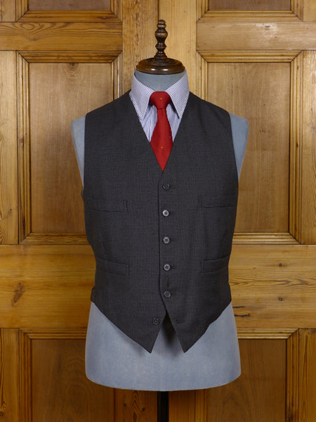 17/1548 immaculate vintage 1969 savile row bespoke black & grey houndstooth check worsted waistcoat 39 regular to long