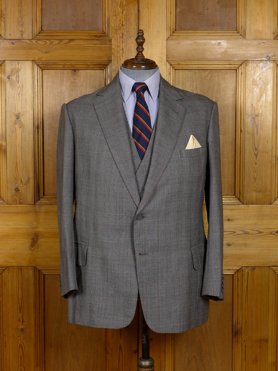 17/1673 vintage savile row bespoke grey / red prince of wales check 3-piece worsted suit 43 short