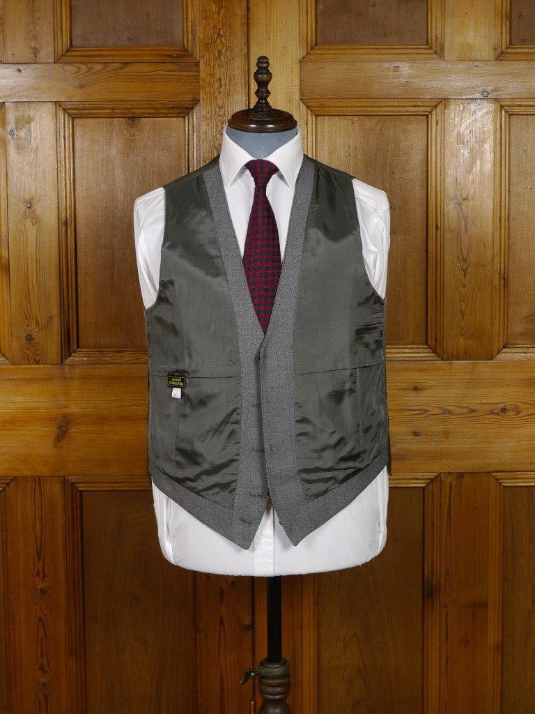 2106/112 EX-HIRE GREY PICK WEAVE MORNING WAISTCOATS royal ascot / wedding - SELECTION OF SIZES