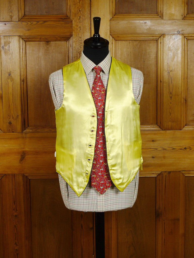 2306/16 'UPCYCLED' VINTAGE HEAVYWEIGHT HARRIS TWEED CLOTH COUNTRY WAISTCOAT 36 regular