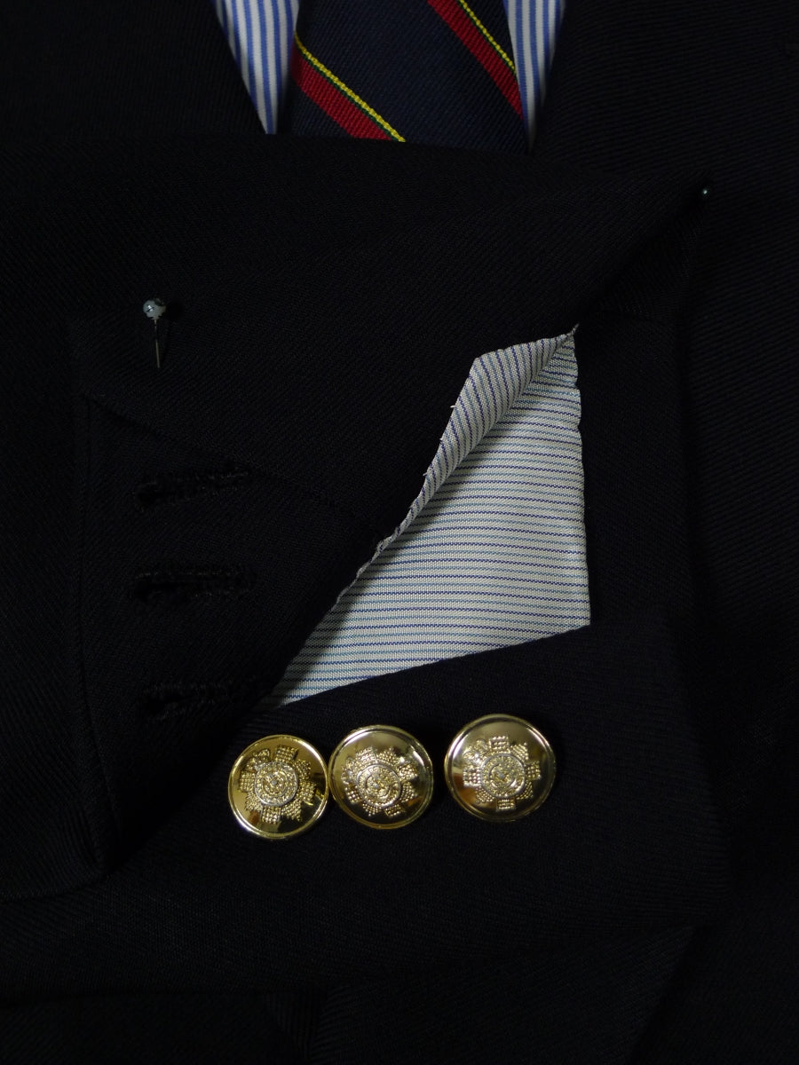 17/1734 (pt) near immaculate gieves & hawkes savile row bespoke navy blue d/b worsted blazer w/ scots guards regimental buttons 44 short
