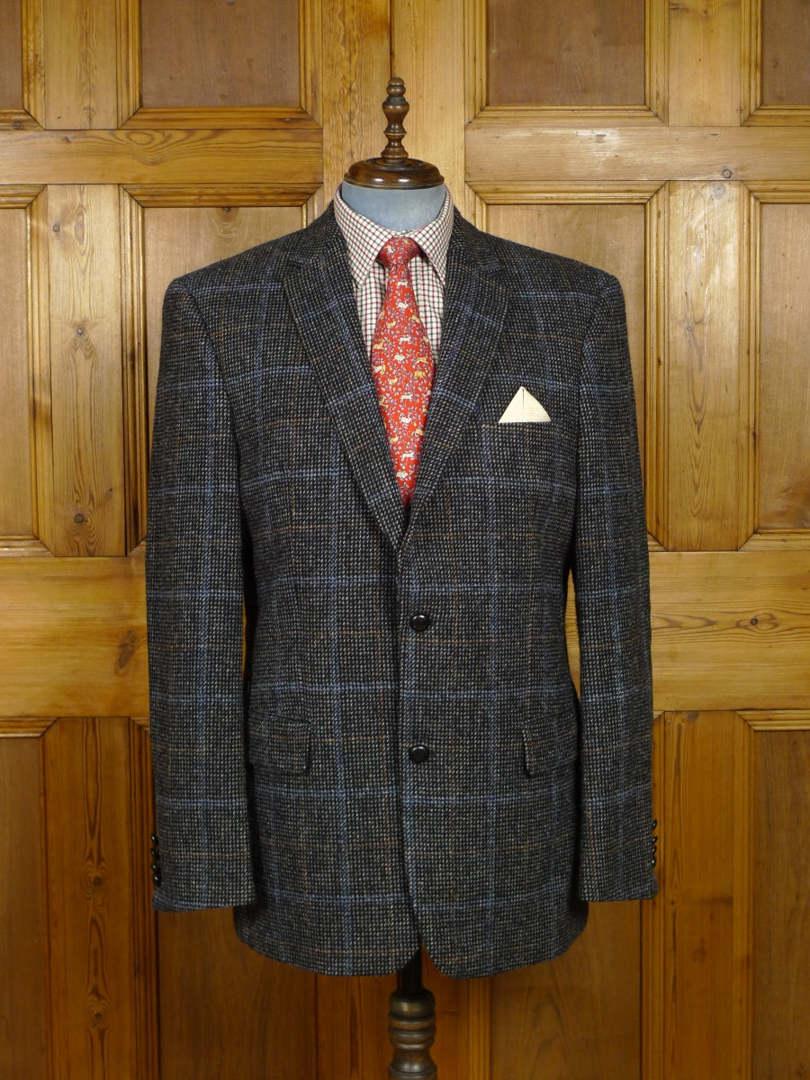 17/1773 immaculate quality modern windowpne check harris tweed jacket w/ suede elbow patches 46 long
