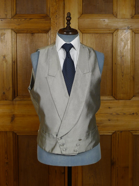 17/1834 vintage harrods london silver / white polka dot d/b silk morning waistcoat 44 regular