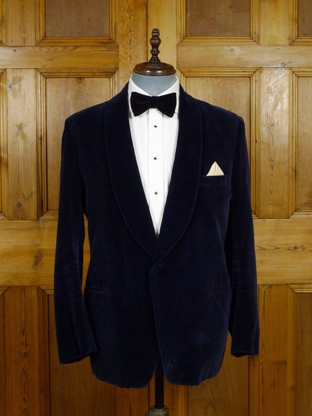 17/1963 (pt) wonderful 1960s vintage simpson piccadilly blue velvet shawl dinner / smoking jacket 41-42 regular