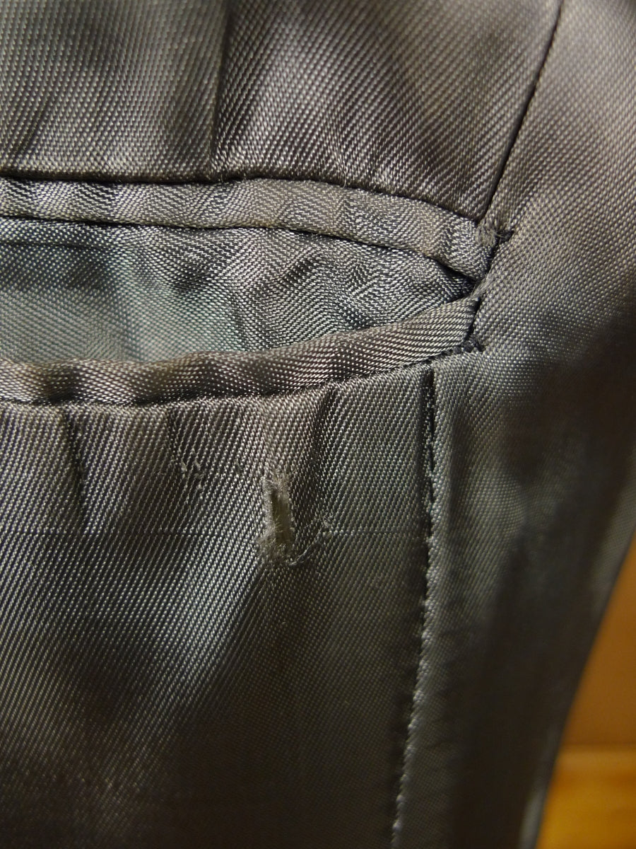 17/2020 (pt) vintage 1977 charcoal grey hopsack worsted 3-piece suit 39 short