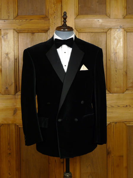 17/2045 vintage gerald freedman london w1 bespoke black d/b velvet dinner / smoking jacket 40 short