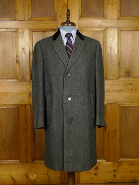 17/2117 vintage 1950s 1960s daks simpson grey herringbone chesterfield overcoat w/ silk-velvet collar 40