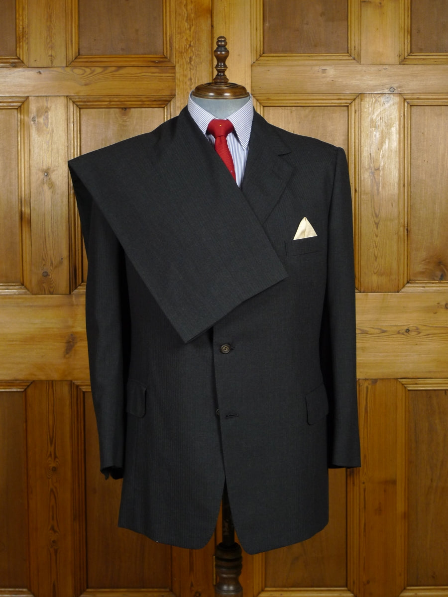 17/2165 (dc) vintage henry poole savile row bespoke luxury fine wool & cashmere charcoal grey fine stripe 2-piece suit 42 regular to long
