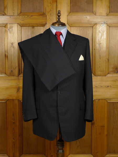 17/2209 (dc) immaculate 2005 henry poole savile row bespoke grey herringbone worsted 3-piece suit 40 long