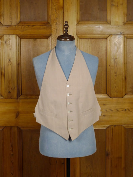 17/2290 near immaculate lester bowden buff beige backless morning waistcoat 38 regular